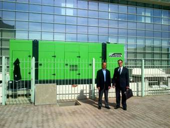 SEEI manager, Mourad Najjar, and the Inmesol Sales Manager in Africa, José María Hernández