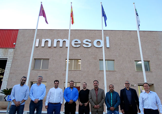 Visitors, sales and technical representatives of INMESOL
