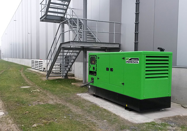 Genset installed outside of a pharmaceutical products distribution warehouse
