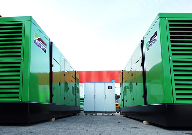 Two generator sets IT-865 model parallel on Island, mains-synchronised gensets