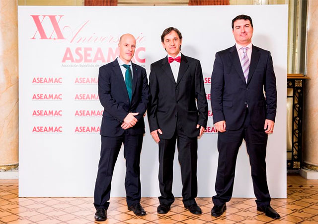 Left to right: Joaquín Cazorla (INMESOL Domestic Sales Dept.), Jordi Torres (ASEAMAC Board of Directors member) and Ignacio Morell (INMESOL Domestic Sales Dept.)